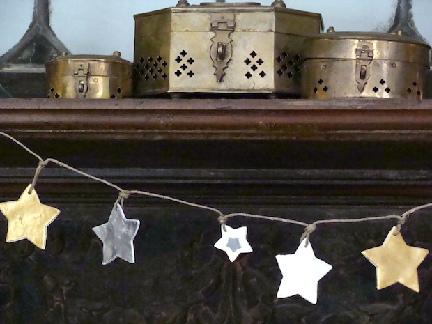 gold_silver_white_star_garland_flickr_roundup