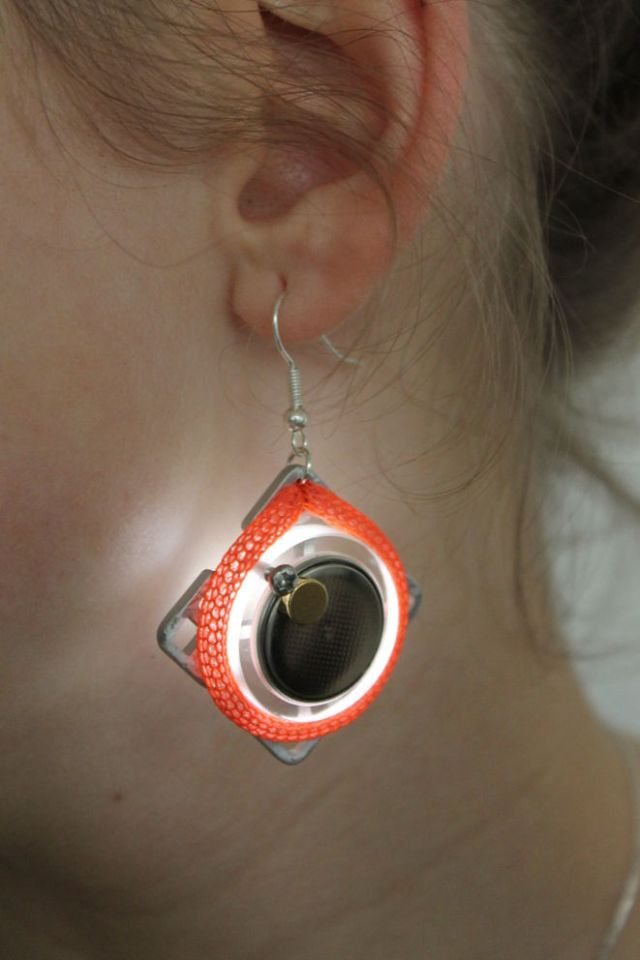 LED-earrings-1