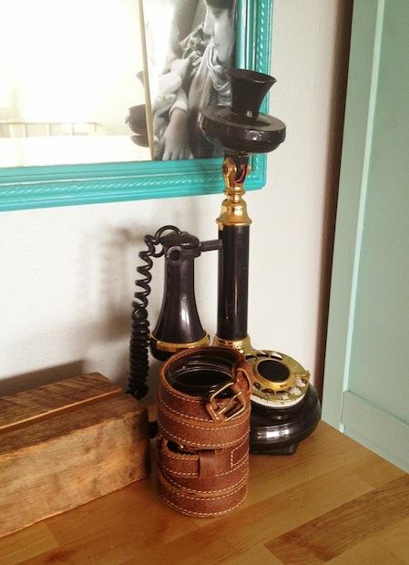 sketchystyles_leather_belt_vase_02