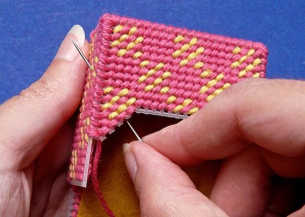 craftypod_plastic_canvas_stitch_marker_case_02