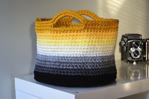 crochetincolor_ombre_crocheted_basket_01
