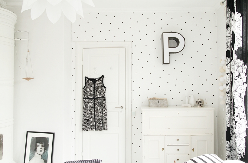 DIY polka dot wallpaper