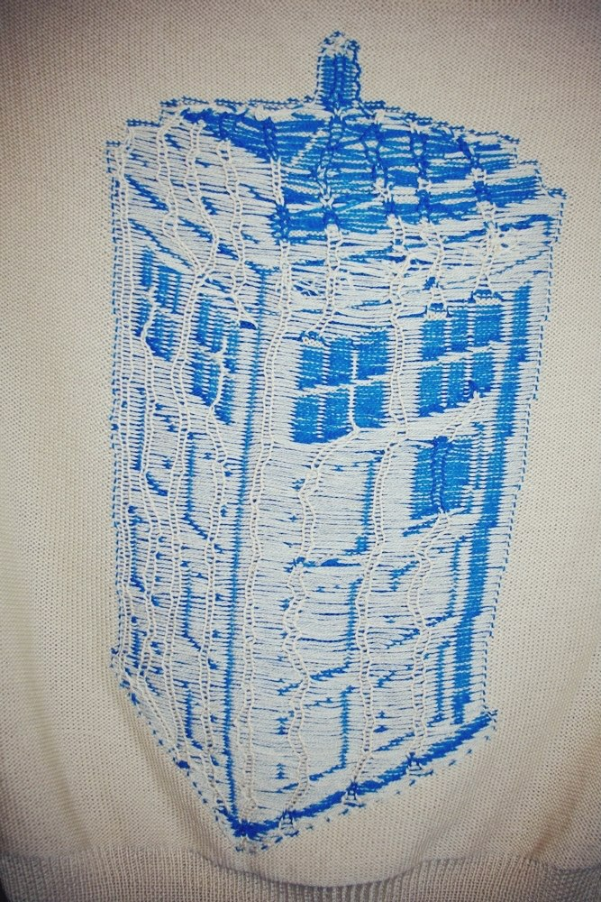 machine_knit_tardis_sweater_2