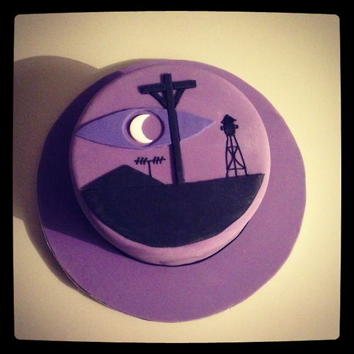 night-vale-cake-1