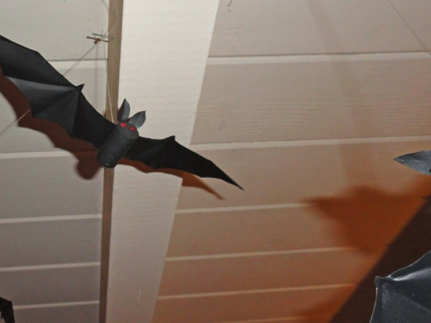 Halloween Bats from Wine Corks and Aluminum Cans