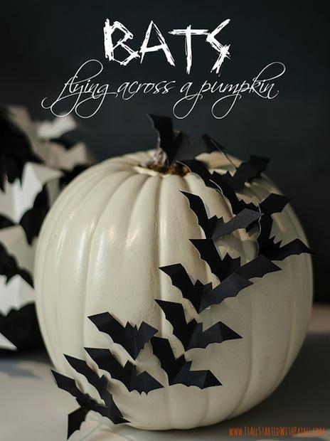 itallstartedwithpaint_bat-embellished_pumpkin_02