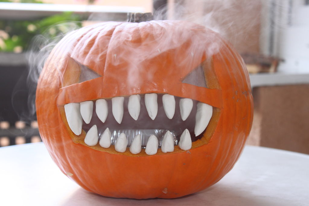 smoking-pumpkin-1