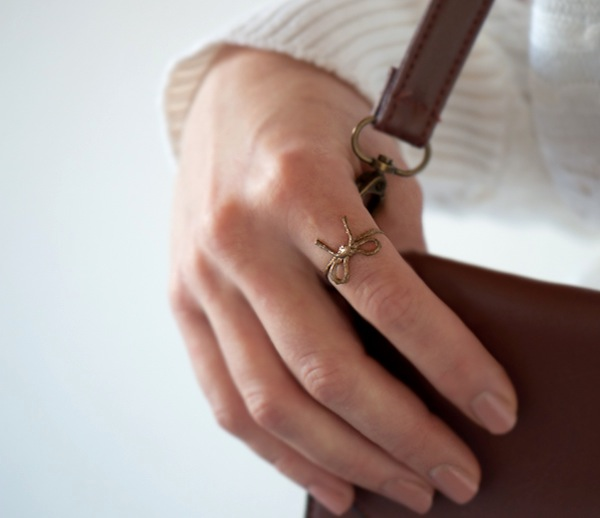 DIY-twine-bow-ring