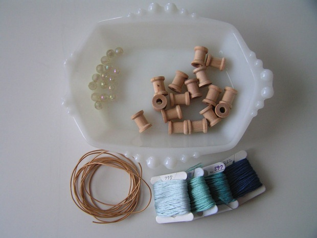 tearosehome_thread_spool_necklace_02