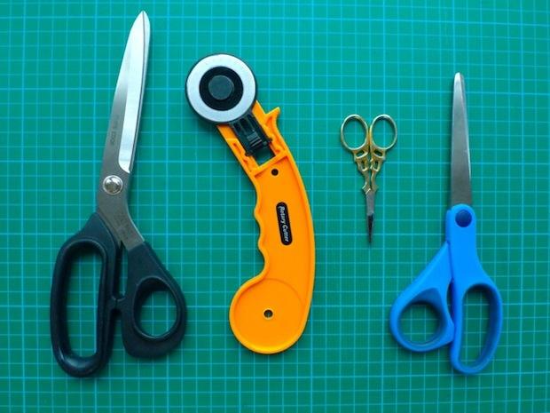 tillyandthebuttons_marking_and_cutting_fabric_02