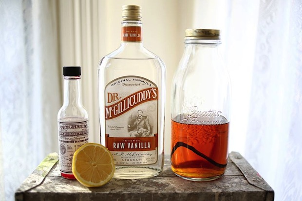 abeautifulmess_vanilla_bean_whiskey_cocktail_02