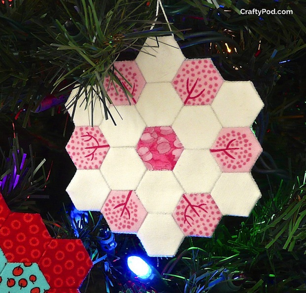craftypod_hexie_holiday_ornament_01