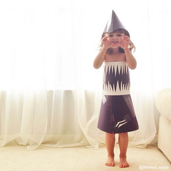 4-year-old-paper-dresses-2