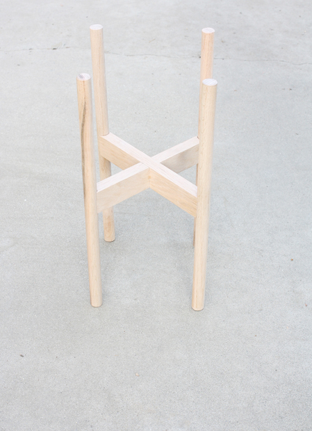 hellolidy_wooden_plant_stand_02