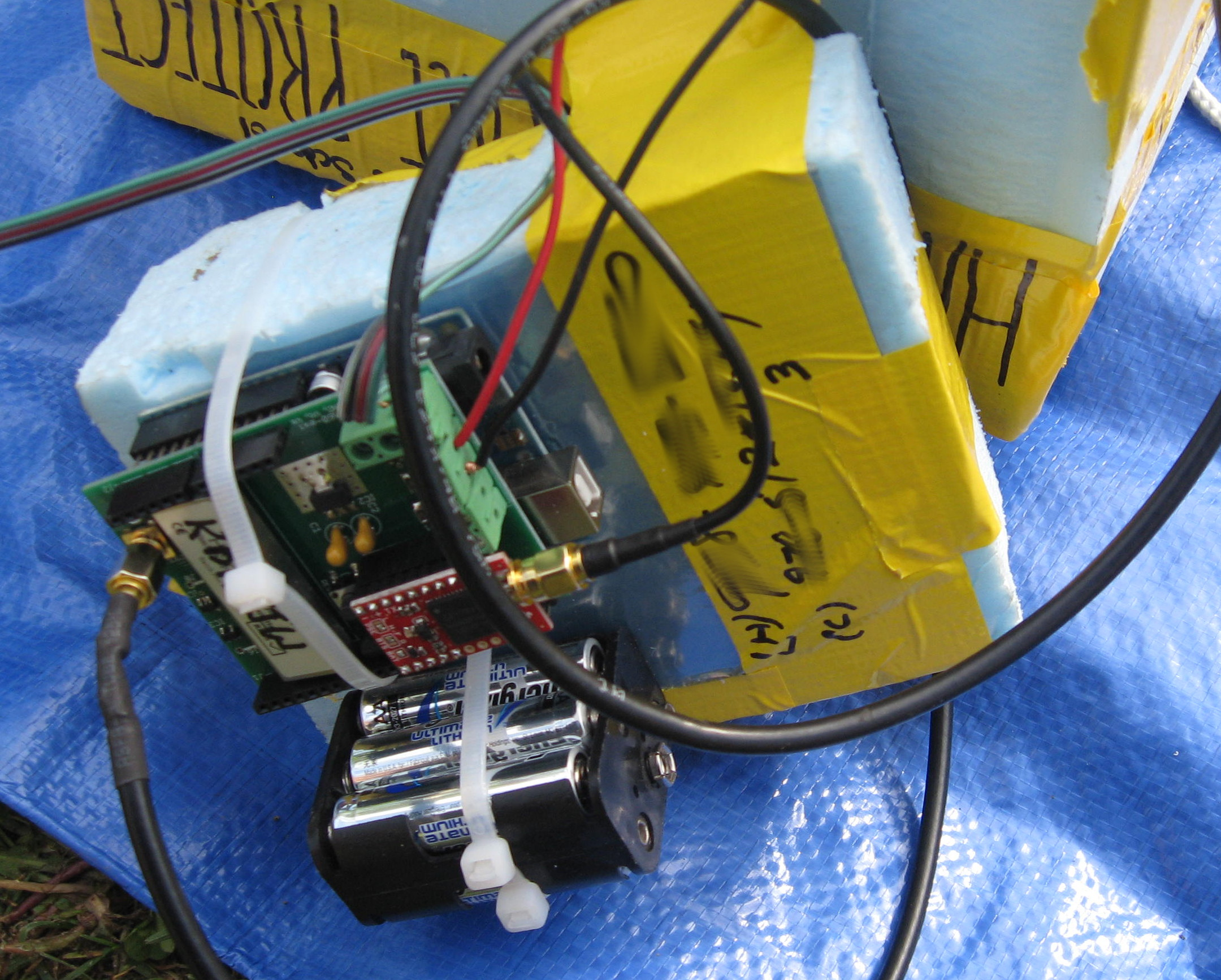 Near-Space Balloon Cam with Arduino and APRS Radio | Make: