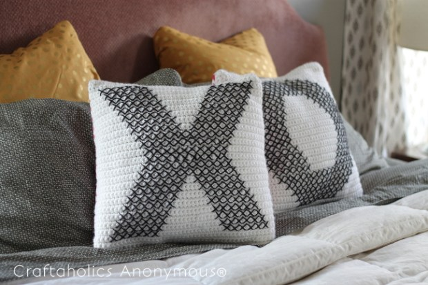 persialou_cross-stitch_crochet_pillows