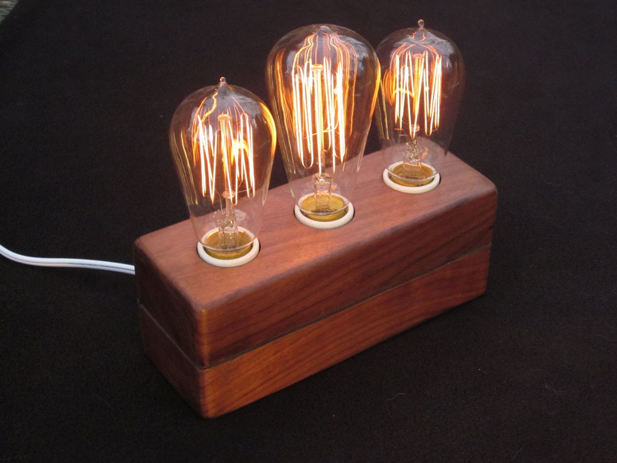 Vintage Bulb Lamp With Simple Wooden Base Make