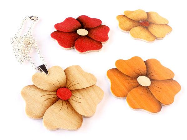 05_wood_flower_pendant_flickr_roundup