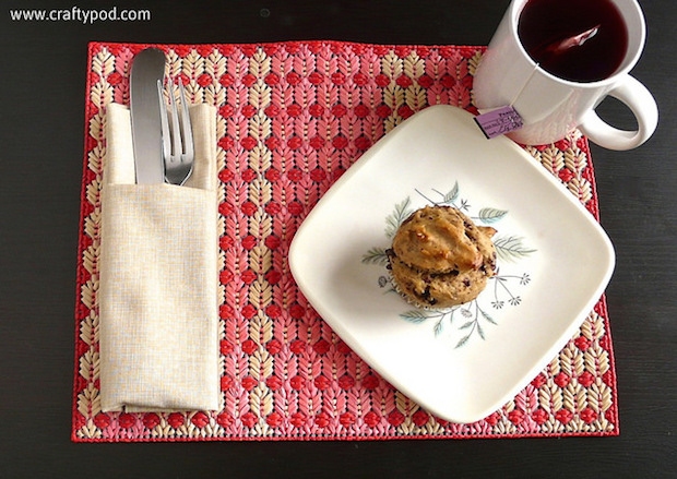 "How-To: Plastic Canvas ""Straw"" Placemats"