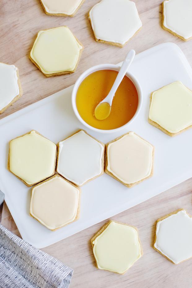 abeautifulmess_honeycomb_sugar_cookies_01