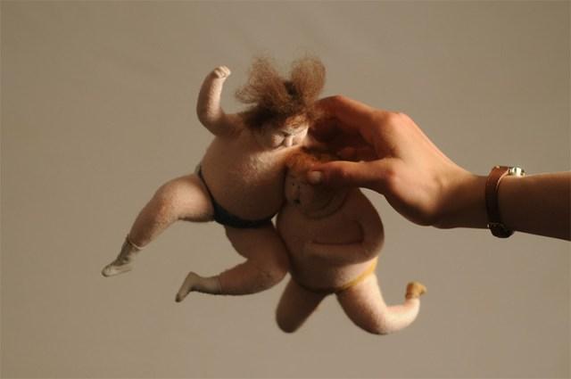 wool-puppets-wrestle-2