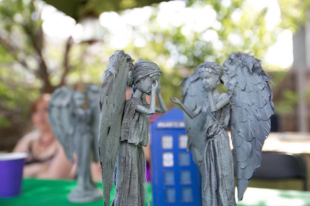 offbeat_home_weeping_angels_02