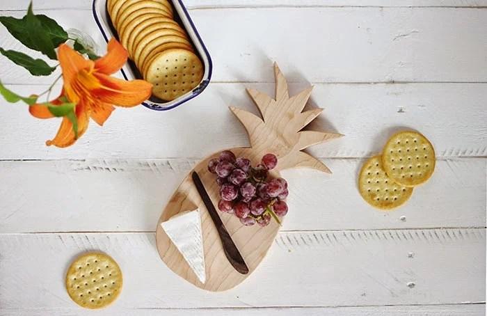 pineapple-cutting-board-1