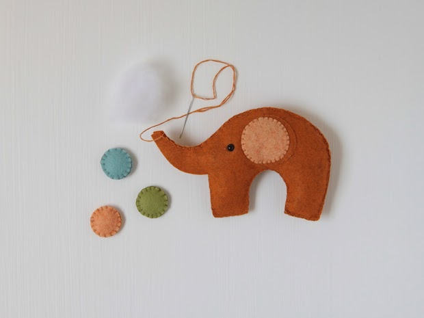 benzie_elephant_mobile_02