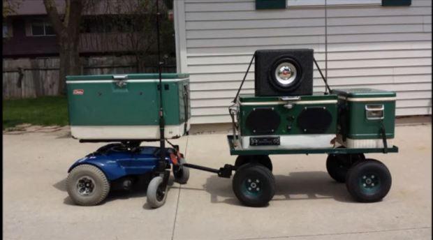 Bruce Strauss' Colebot robotic cooler will open and deliver your favorite bottled beverages