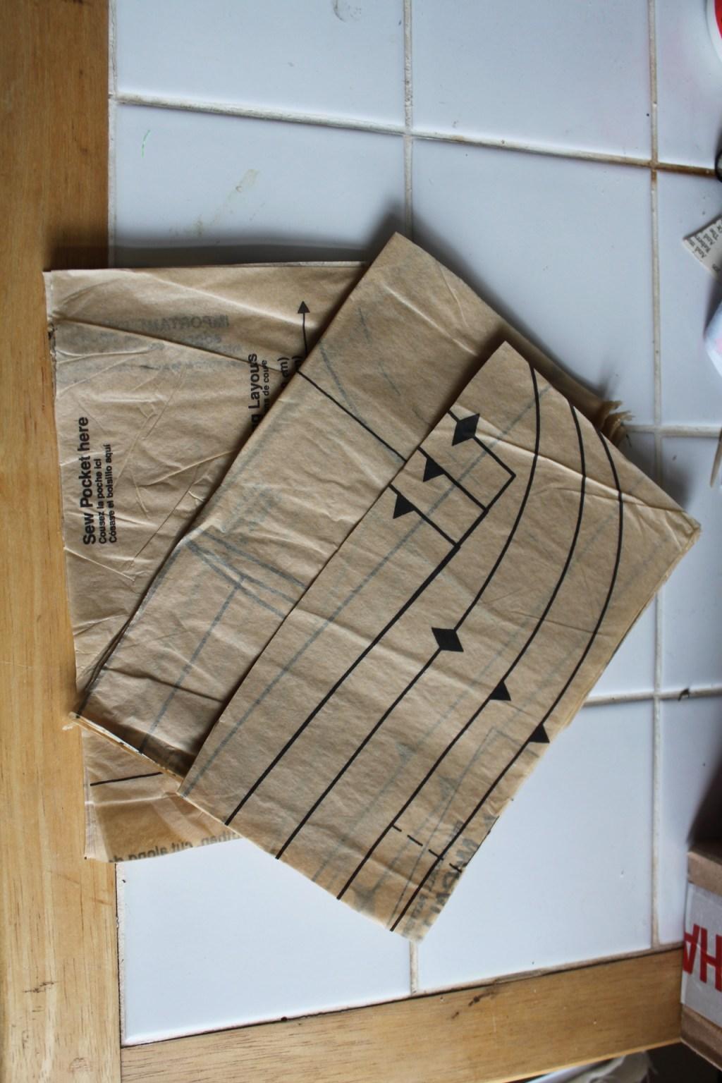 giant-tissue-paper-pompoms-2