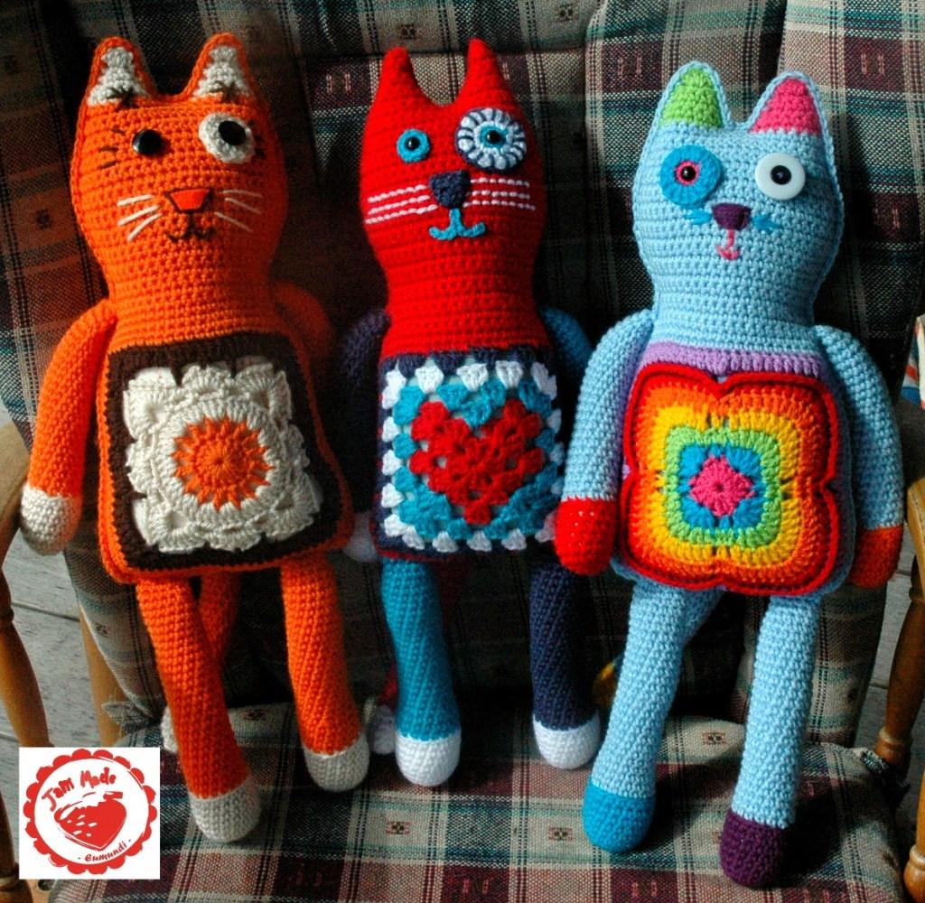 granny-square-cats-1