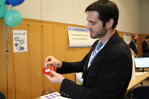 Brandon McNaughton demonstrates the ease of using Akadeum's cell isolation process.