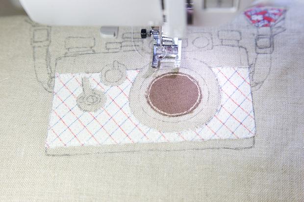 minkikim_camera_embroidery_tote_bag_02