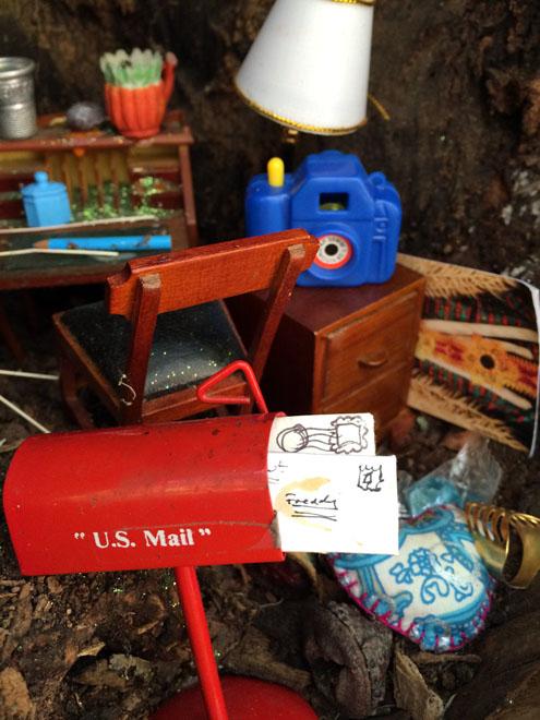 tiny-treehouse-post-office-3