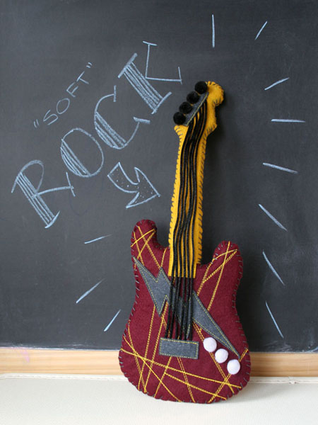 CRAFT_soft_rock_guitar_plushie_final