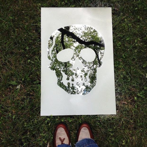 dollarstorecrafts_frosted_skull_mirror_01