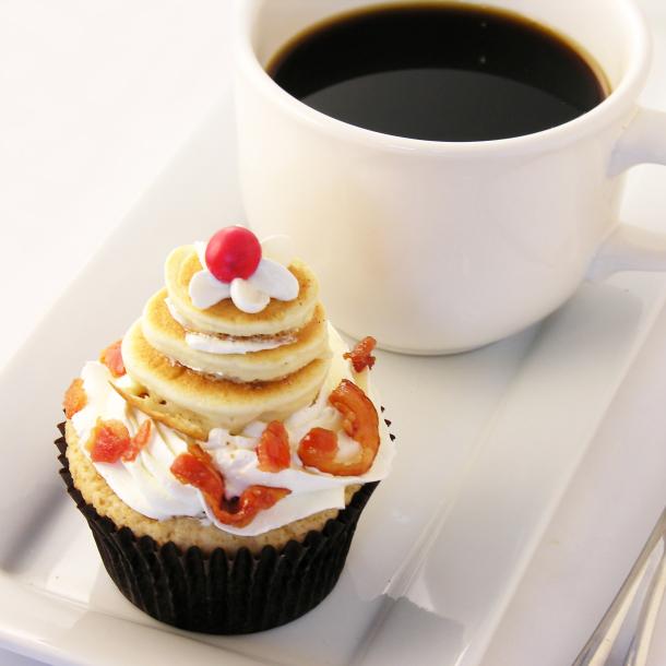 pancake-and-bacon-cupcakes-1