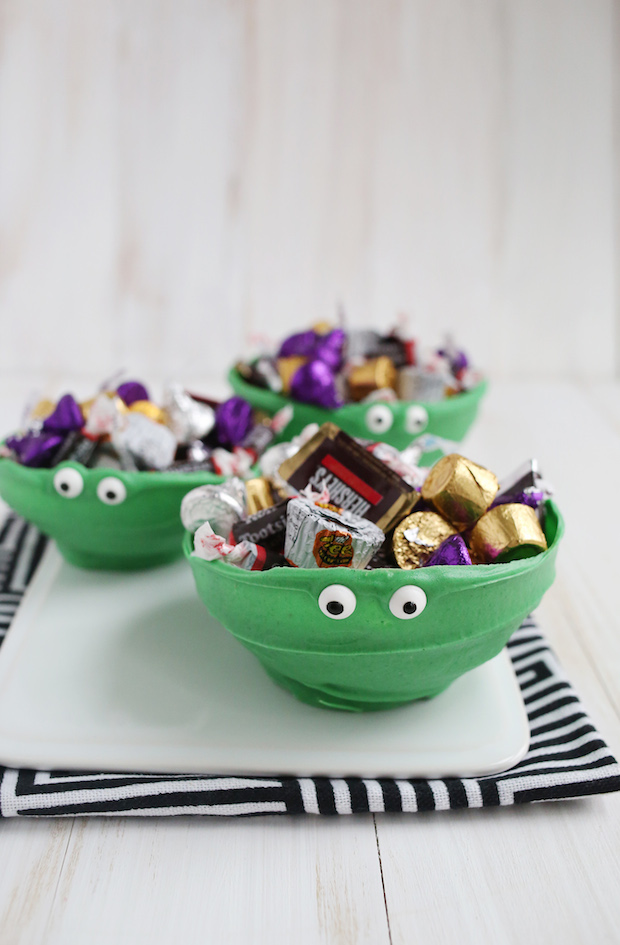 abeautifulmess_green_chocolate_monster_bowls_01