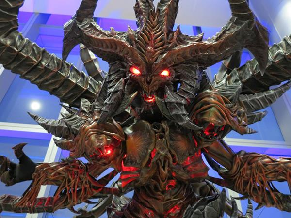 Inside this awesome Diablo costume sits the talented designer Krizdel Ingreso.
