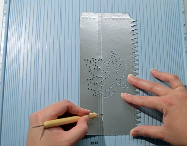 Faux-Hammered-Tin-Luminaries-by-Annie-Williams-Scoring
