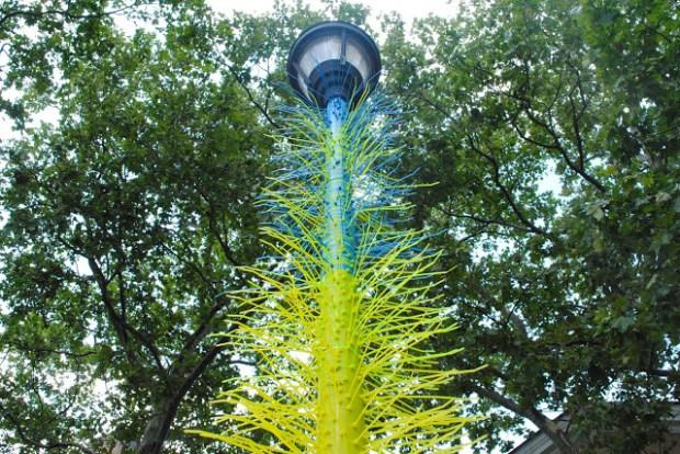 Lamp Post Blue Yellow
