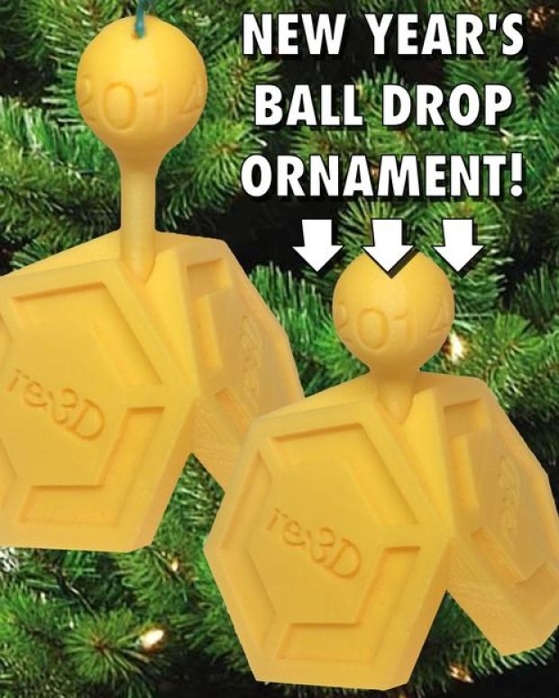 Shortly after Christmas comes the New Year and while every country celebrates the beginning of the new year in their own way, some are more popular like watching the ball drop in NYC's Times Square. To commemorate the celebration zombiesecks designed his 3D printed ornament to approximate the ball drop, which has happened annually since 1907.