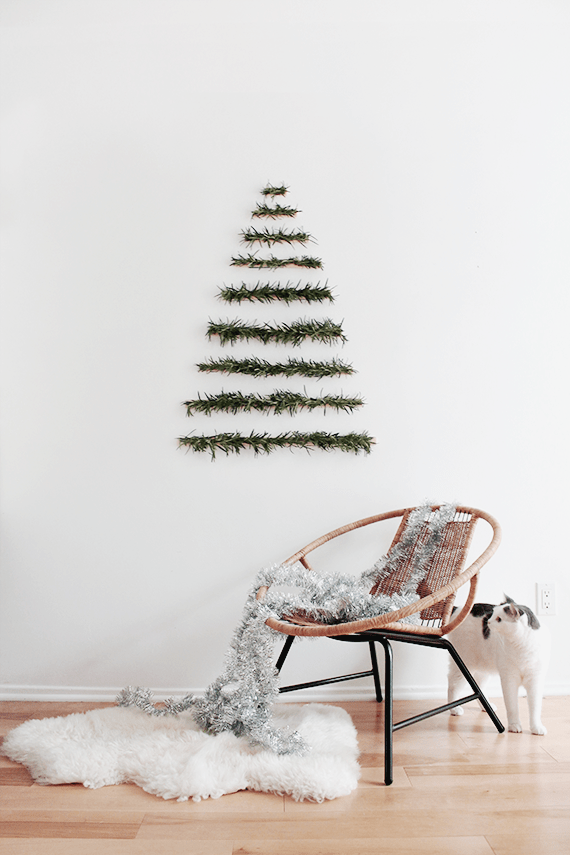 modern-wall-hanging-christmas-tree-1