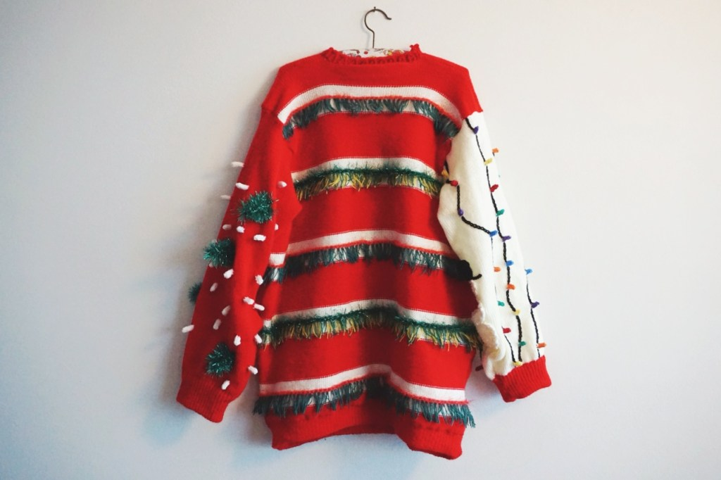 vomiting-santa-sweater-2