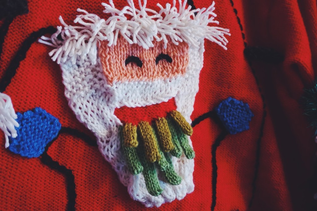 vomiting-santa-sweater-4