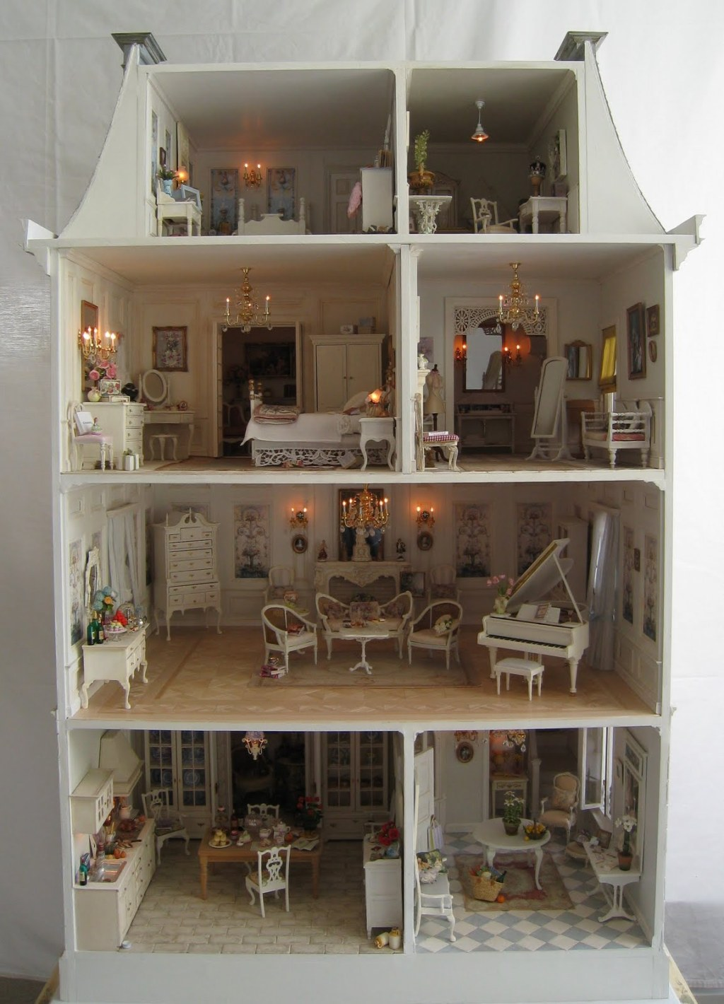 La Petite Maison A Dollhouse Five Years In The Making on Victorian Dollhouse Furniture Kits