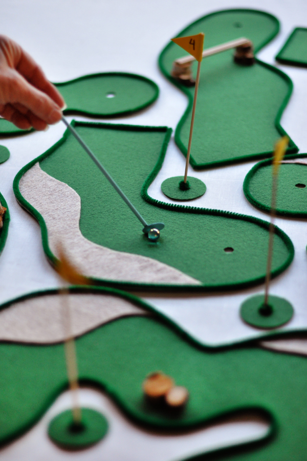tabletop-mini-golf-1