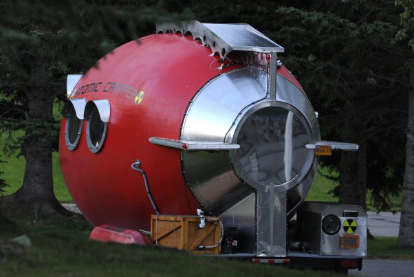 atomic-camper-is-a-unique-solar-powered-home-made-trailer_2CROP