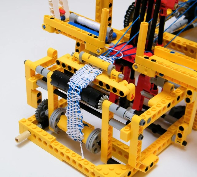 lego-mechanical-loom-2