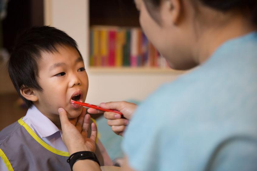 乳牙換恆牙卻長歪!必學幼兒美齒術 – 媽媽經|專屬於媽媽的網站